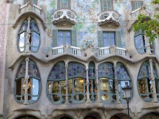 klein Gaudi Fenster