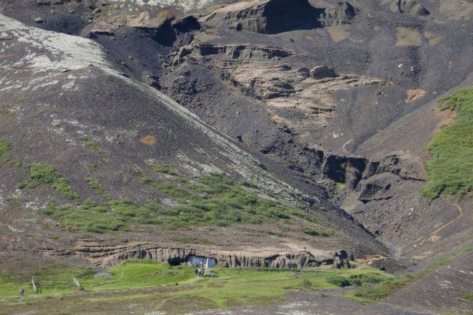 Island - Höhlenwohnung an einer Felsenspalte