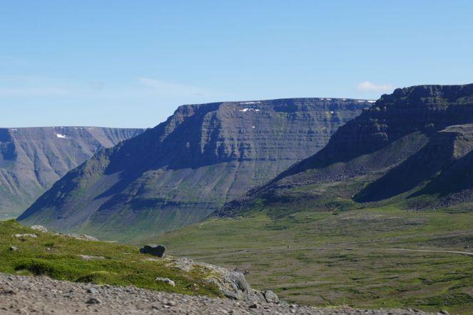 Island - Isafjördur - Bergmassiv-2