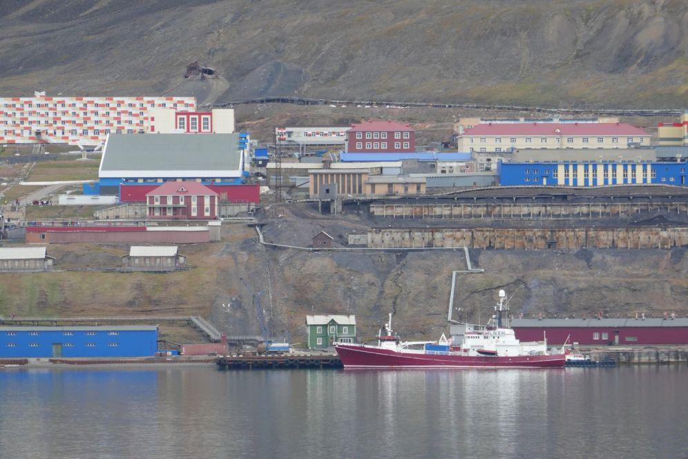 Barentsburg - Ansicht vom Fjord-1