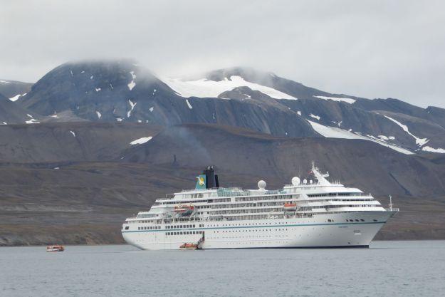 Barentsburg - MS Amadea