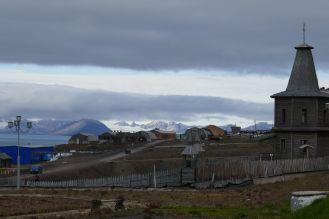 Barentsburg - Ort mit Kirche