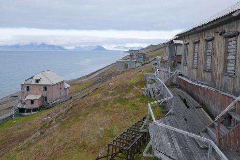 Barentsburg - verfallene Gebäude-1