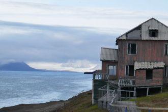 Barentsburg - verfallene Gebäude-2