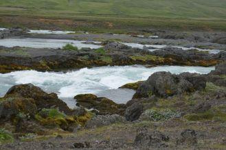 Island - Akureyri - Flusslandschaft am Godafoss-5
