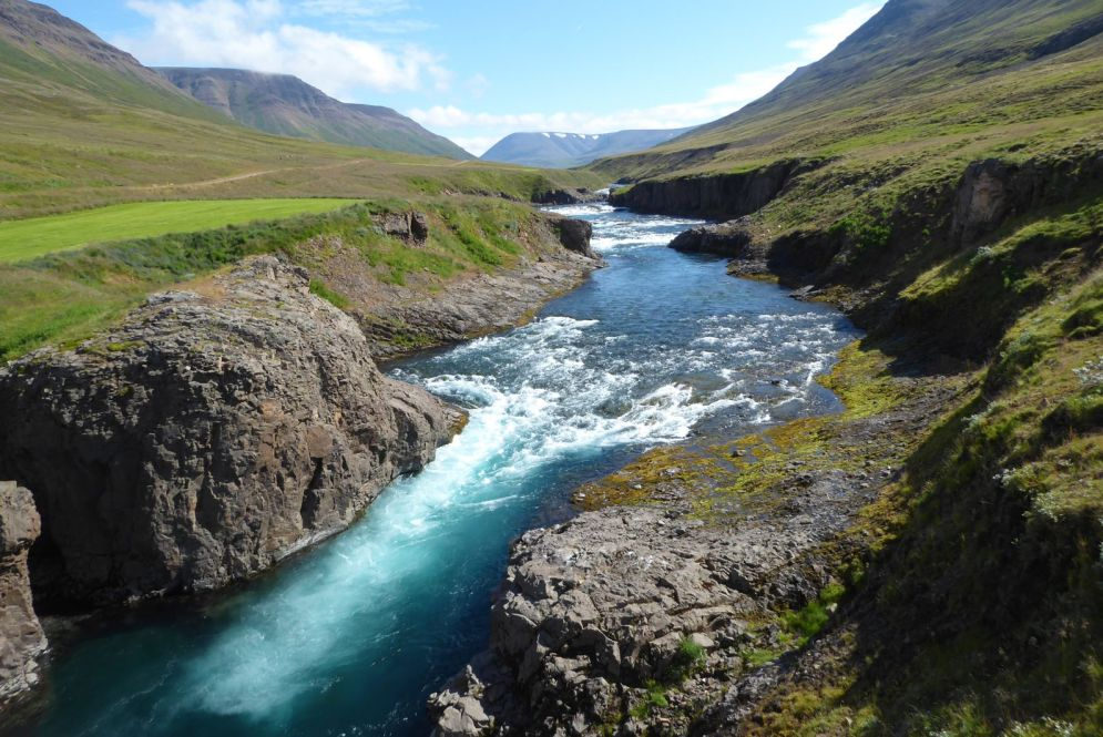 Island - Akureyri - Flusstal Richtung Grenivik-4