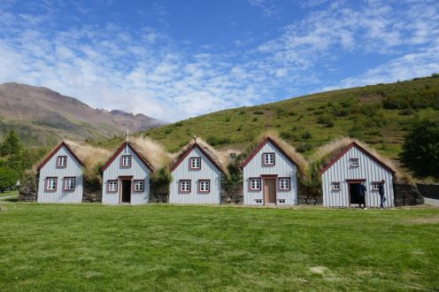 Island - Akureyri - Torfhäuser Laufas-2