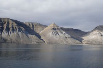 Spitzbergen - Bergformation Pyramiden-1