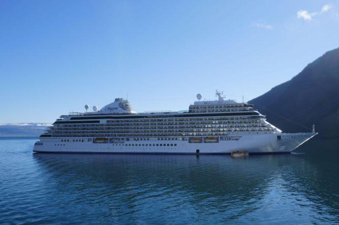 Regent Seven Seas Explorer - Island Isafjördur-2