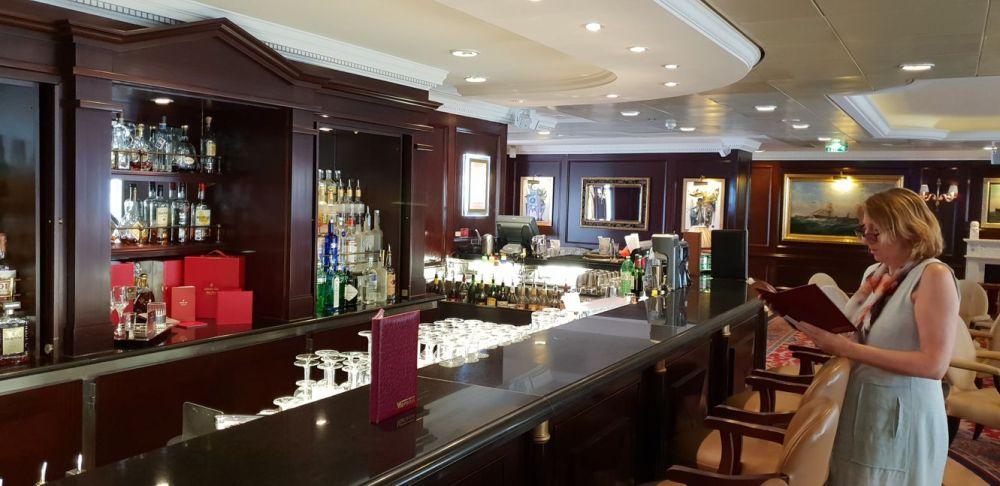Bar Casino.jpg