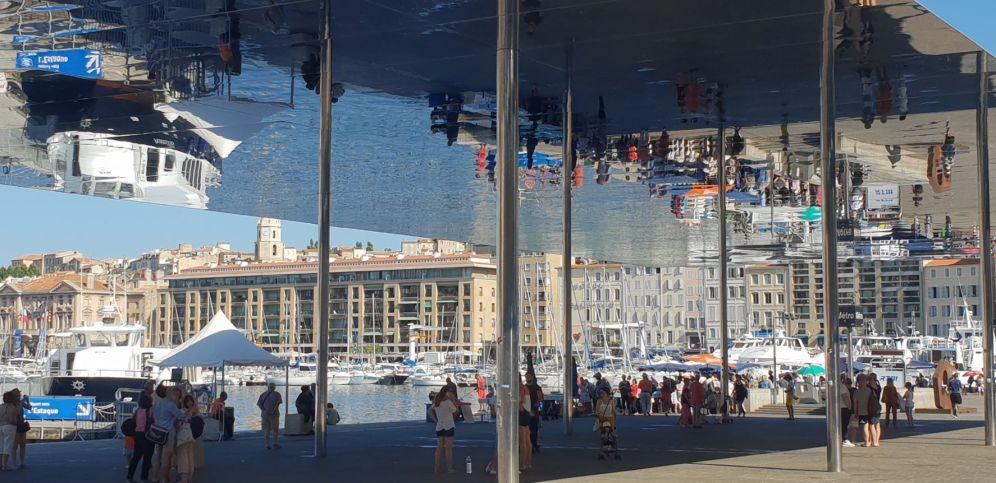 Marseille - Fischmarkt Spiegelung