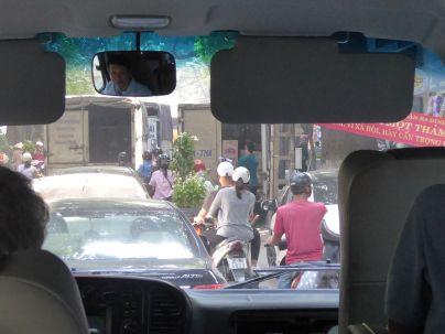 Hanoi - Fahrt in die Stadt - Ausblick vom Bus