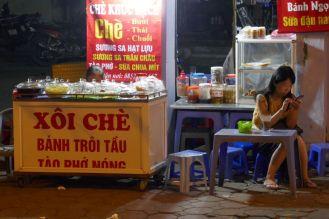 Hanoi - Garküche Abend-2