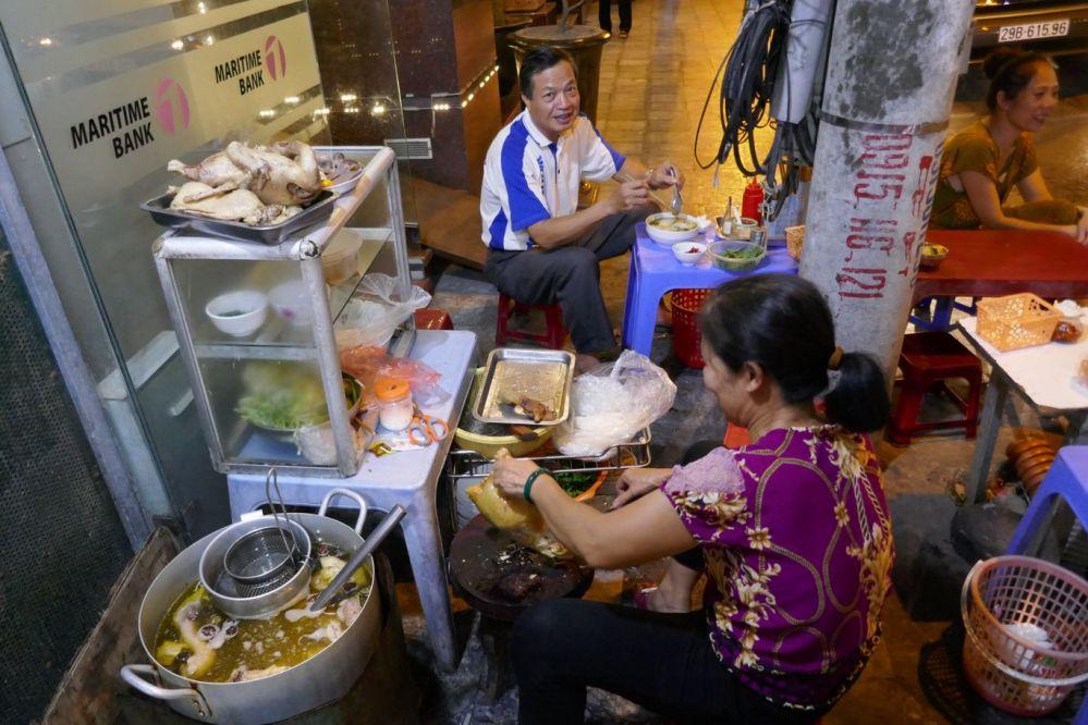 Hanoi - Garküche Abend-3