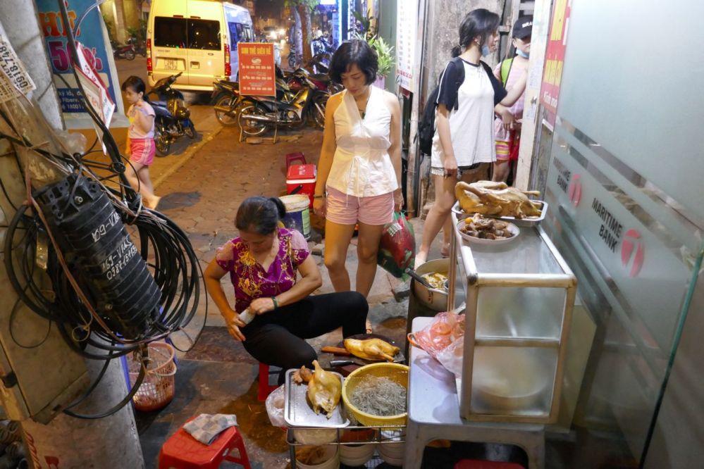 Hanoi - Garküche Abend-4
