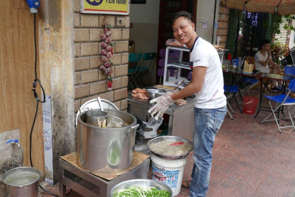 Hanoi - Garküche, Entensuppe