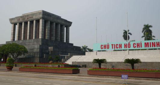 Hanoi - Ho Chi Minh-Mausoleum, Paradeplatz