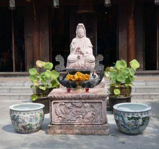 Hanoi - II - Tempel neben Ein-Säulen-Pagode-3