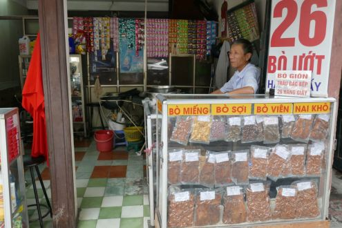 Hanoi - Laden mit besonderen Knabbereien