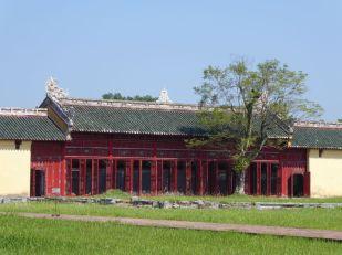 Hue - Kaiserpalast, von dem fast nur Grundmauern übrig blieben - Wiederaufbau